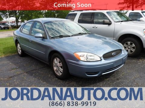 Pre-Owned 2005 Ford Taurus SEL